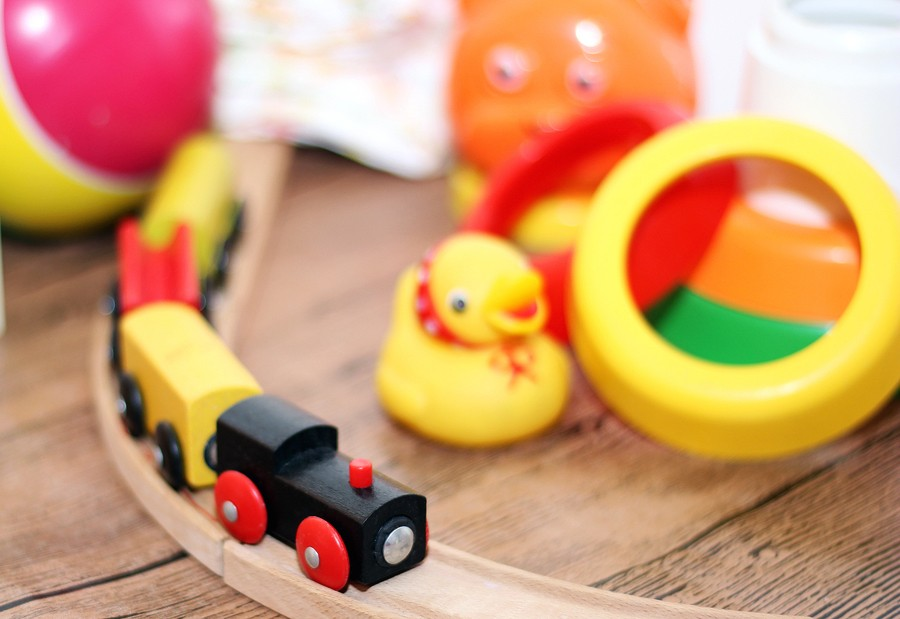 The Green Playroom: Choosing & Caring For Kids' Toys